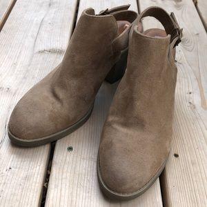 BC Footwear slingback booties
